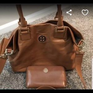 Tory Burch Hobo Bag And Wallet